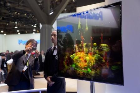 """Tenká OLED televize Panasonic 56 """" s rozlišením 4K (Ultra HD), foto: gadgets.ndtv.com"""