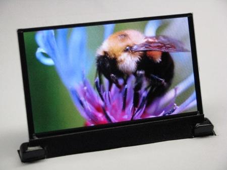 OLED televize z pokročilých materiálů společnosti DuPont