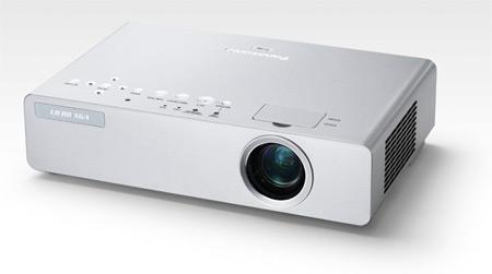 Panasonic projektory řady LB80